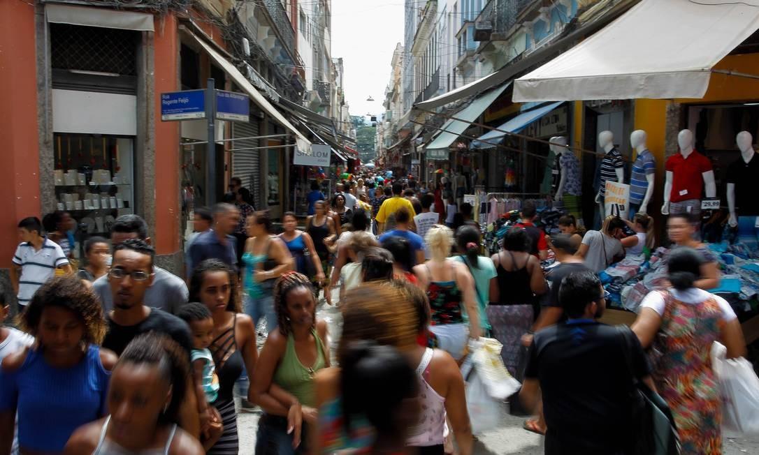 Número de empreendimentos formais cresceu nos últimos cinco anos, segundo o IBGE Foto: Pedro Teixeira / Agência O Globo