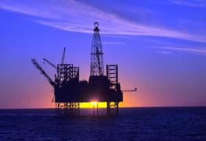 Plataforma de exploração de Petróleo Foto: Helmut Otto / Divulgação