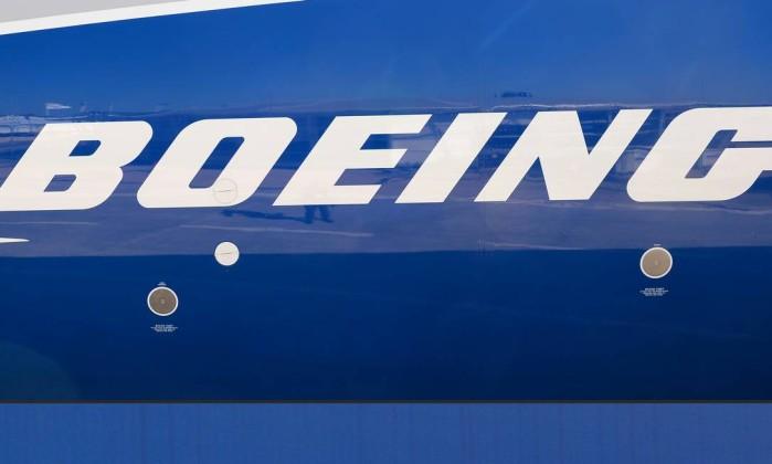 Resultado de imagem para Boeing Embraer