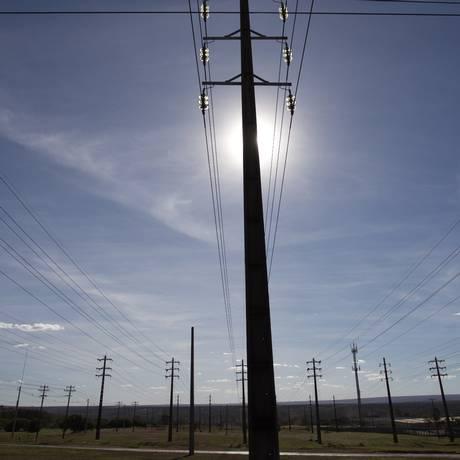 Linhas de transmissão de energia em Brasília Foto: Michel Filho / Agência O Globo