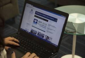 Entrega das declarações do Imposto de Renda (IR) 2018 começa em 1º de março Foto: Alexandre Cassiano / Agência O Globo