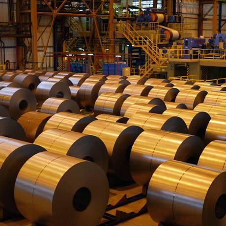 Fábrica da ArcelorMittal Vega (antiga Vega do Sul), que transforma aço para o mercado automobilístico, com atuação também nos segmentos de eletrodomésticos Foto: Carlos Ivan / Agência O Globo