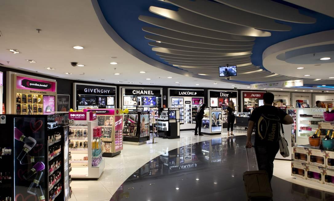 Free shop no aeroporto de Brasília Foto: Michel Filho / Agência O Globo