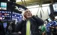 Operadores na Bolsa de Nova York Foto: Drew Angerer / AFP