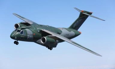 Jato KC-390, da Embraer Foto: Divulgação