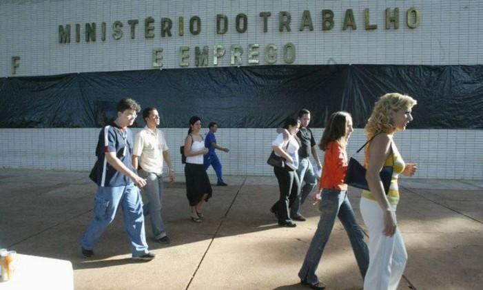 Frente do prédio do Ministério do Trabalho em Brasília Foto: Agência O Globo