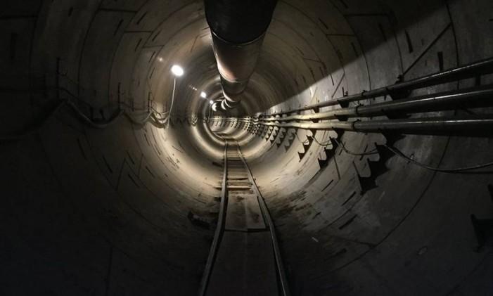 Túnel futurístico da Boring Company, do Elon Musk. Foto: Divulgação