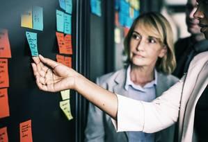 Estudos mostram que a maior participação das mulheres no mercado de trabalho estimula crescimento da economia. Foto: Pixabay