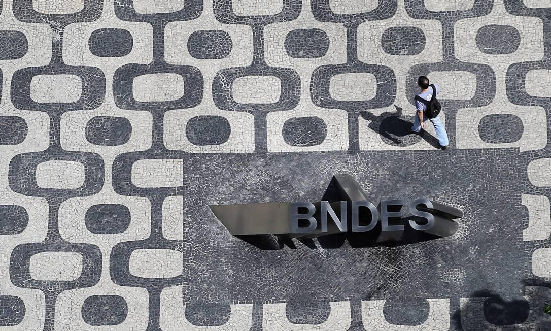 """O Banco Nacional de Desenvolvimento Econômico e Social (BNDES) está """"cheio de dinheiro"""" para financiar empresas, disse presidente institutição, Dyogo Oliveira Foto: Nacho Doce / Agência O Globo"""