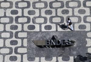 Governo busca sucessor para presidência do BNDES, após saída de Joaquim Levy Foto: Nacho Doce / Agência O Globo