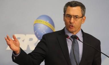 O ministro da Fazenda, Eduardo Guardia, durante declaração à imprensa para falar sobre redução da Cide para o diesel Foto: Givaldo Barbosa / Agência O Globo