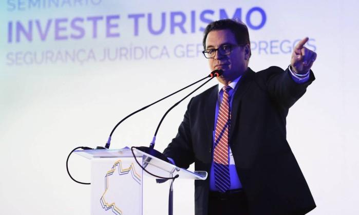 O ministro do Tursimo, Vinicius Lummertz, no seminário Investe Turismo, promovido pelos jornais O Globo e Valor Econômico para promover o turismo na orla brasileira. Foto: Edilson Dantas / Agência O Globo