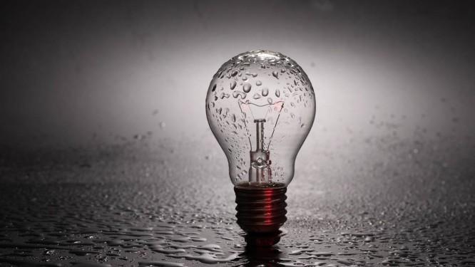 Mudança de hábitos contribui para reduzir gastos com conta de luz. Foto: Pixabay
