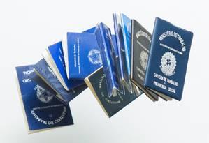 Carteiras de trabalho são símbolo da legislação trabalhista Foto: Leo Martins / Agência O Globo