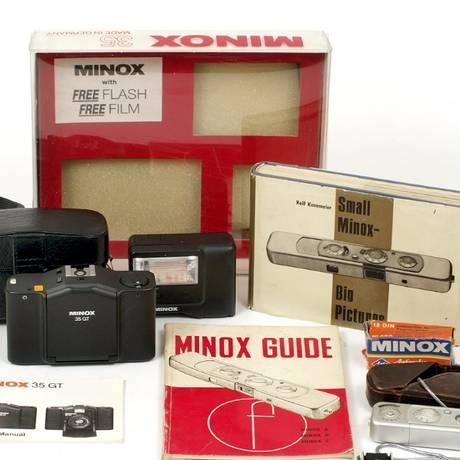 Kit da Minox, com câmera em miniatura. Foto: Divulgação/Aston's
