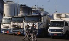 Greve comprometeu o funcionamento de indústrias e refinarias, como essa no Porto de Santos. Foto: Marcos Alves/24/05/2018 / Agência O Globo