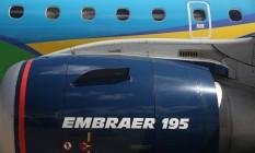 Detalhe de jato 195 da Embraer, operado pela companhia aérea Azul. Foto: Dado Galdieri / Bloomberg