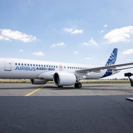 Novo Airbus A220 foi apresentado em Toulouse, na França, pela fabricante. Foto: Christophe Morin / Bloomberg