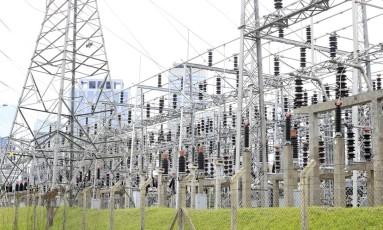 Estação de distribuição de energia elétrica da Usina Elevatória de Traição que pertence a EMAE - Empresa Metropolitana de Águas e Energia SA. Foto: Edilson Dantas / Agência O Globo