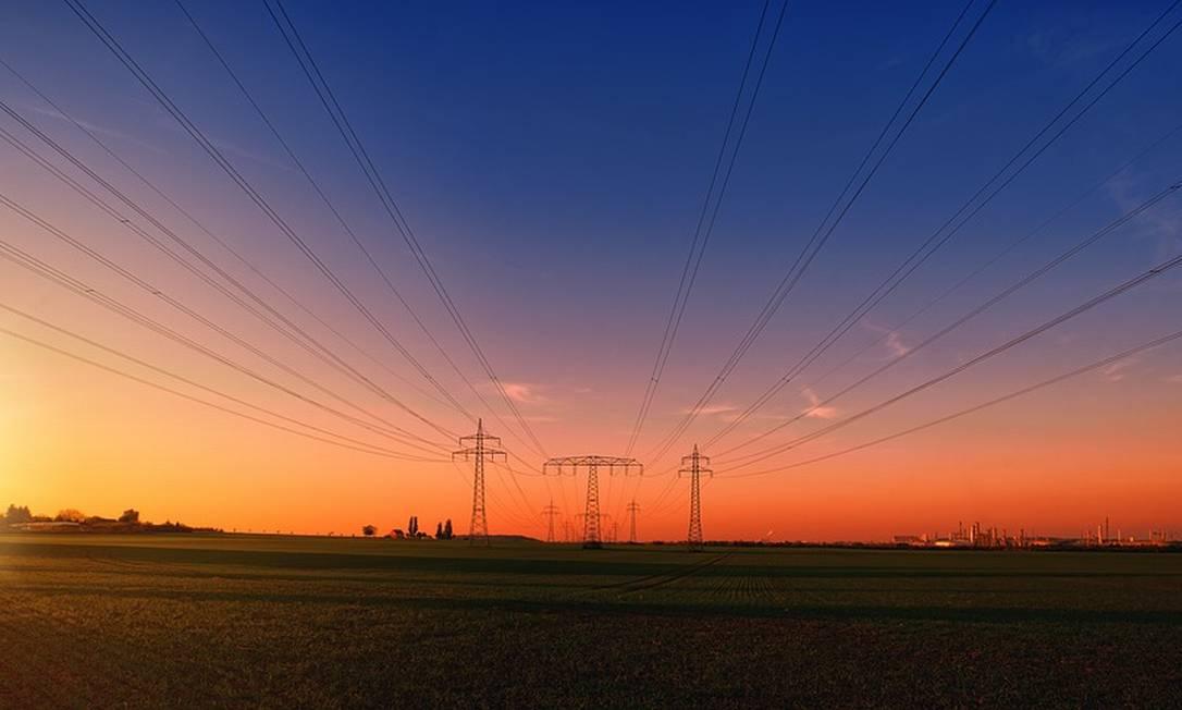 Leilão de linhas de transmissão será nesta quinta-feira e deve gerar R$ 4 bilhões em investimentos Foto: Pixabay