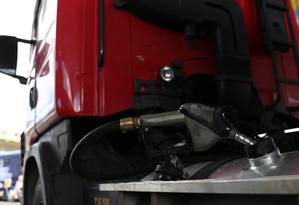 Preço do diesel será calculado em quatro portos e cinco regiões brasileiras Foto: Bobby Fabisak / Agência O Globo