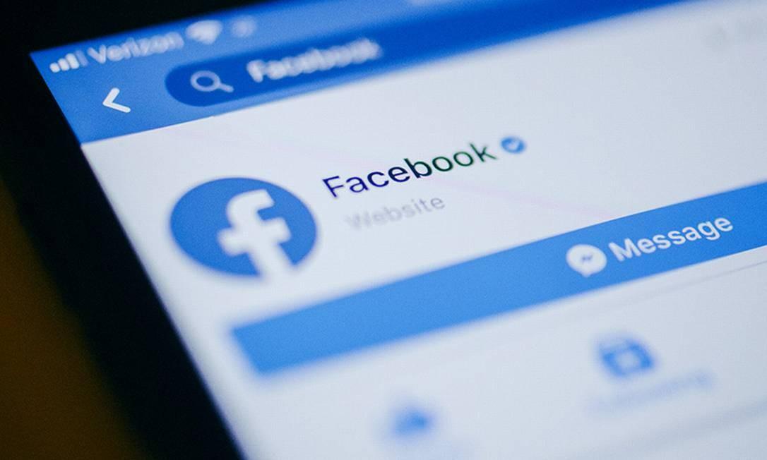 App do Facebook em um iPhone da Apple Foto: Johannes Berg/Bloo