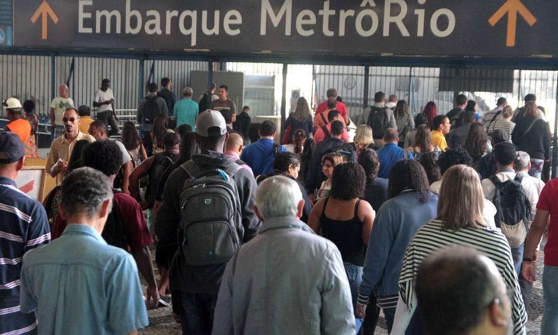 Acesso ao Metrô Rio na Central do Brasil. Foto: Fernanda Dias / Agência O Globo