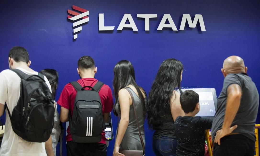 Com queda na demanda, Latam pede recuperação judicial Foto: Gabriel Monteiro / Agência O Globo