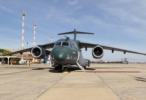 Aeronave KC-390 da Embraer, Base Aérea de Brasília Foto: Givaldo Barbosa / Agência O Globo