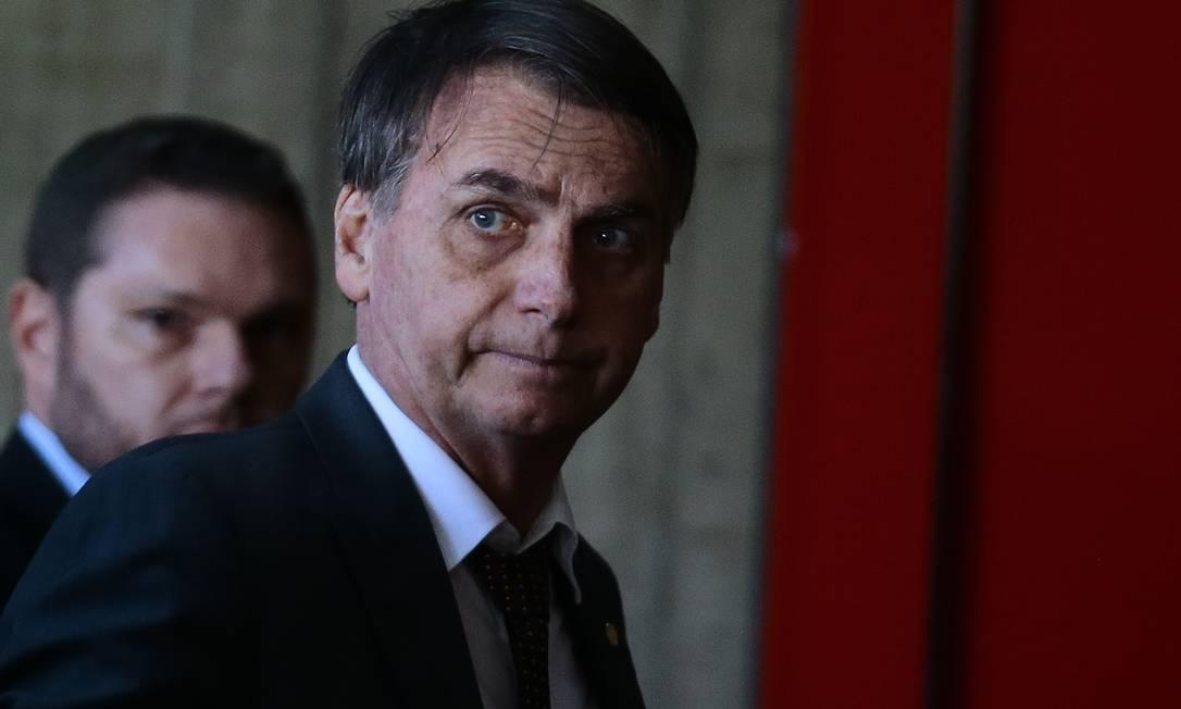 O presidente eleito, Jair Bolsonaro, chega para reuniões no CCBB, onde está montado o gabinete de transição Foto: Jorge William / Agência O Globo
