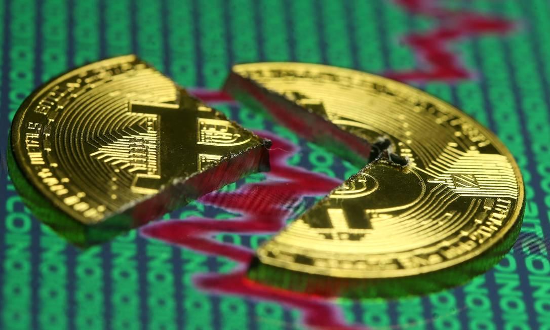 Bitcoin é a criptomoeda mais conhecida e com a maior qunatidade de investidores Foto: Dado Ruvic / Reuters