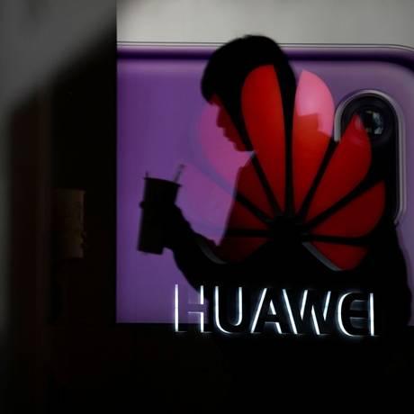 Prisão de executiva da Huawei estaria relacionada a acusações de exportação de produtos com tecnologia americana para o Irã Foto: ALY SONG / REUTERS