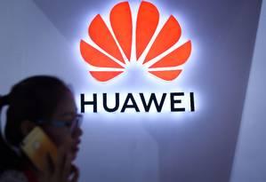 Logo da Huawei em uma exposição em Xangai Foto: WANG ZHAO / AFP
