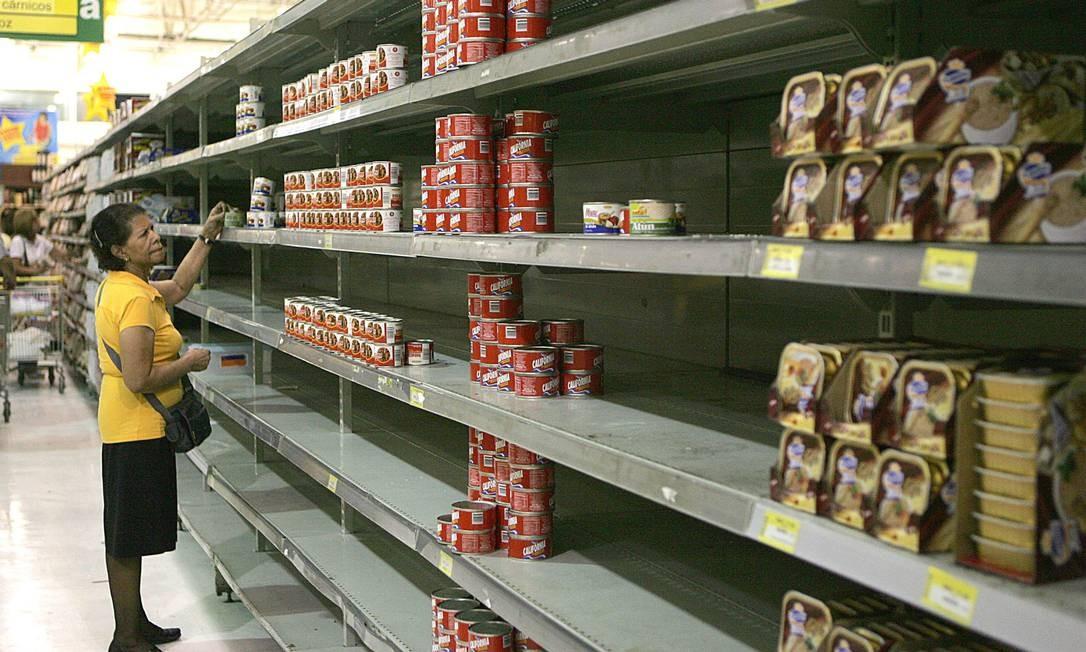 Venezuela deve ter uma queda ainda maior no PIB deste ano, segundo o Banco Mundial Foto: Leonardo Nogueira / Agência O Globo