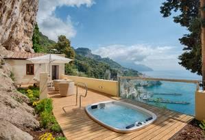 Na Costa Amalfitana, na Itália, a vista do NH Collection Grand Hotel Convento di Amalfi, que integra o Preferred Hotels & Resorts Foto: Divulgação