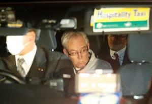Greg Kelly, braço direito de Carlos Ghosn na Nissan, deixo a prisão em Tóquio, após pagar fiança Foto: KIM KYUNG-HOON / REUTERS