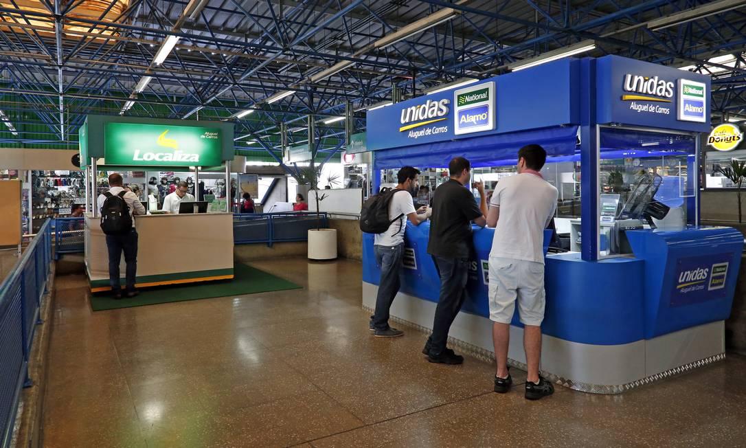 Lojas da Localiza e da Unidas, que anunciaram fusão Foto: Edilson Dantas / Agência O Globo