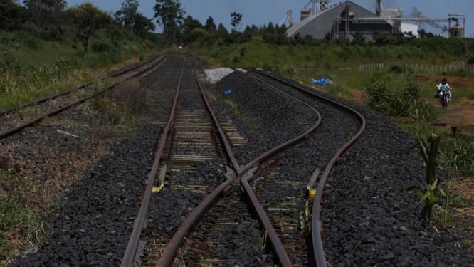 Trecho da ferrovia Norte-Sul em Anápolis Foto: Michel Filho / Agência O Globo