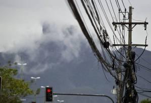 A principal causa para roubo de cabos é a venda de cobre para os ferros-velhos Foto: Guilherme Leporace / Agência O Globo