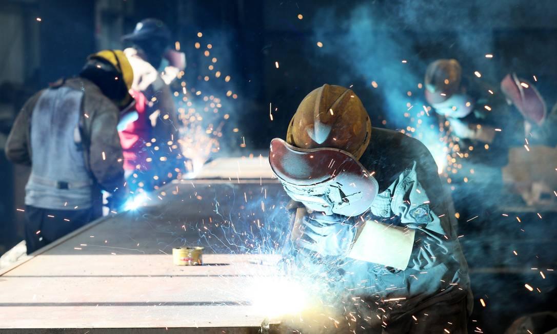 Indústria prevê aumento da produção de aço este ano Foto: AFP