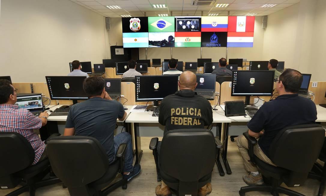 Centro de Cooperação Policial Internacional na Superintendência da PF, na Zona Portuária do Rio. Foto: Márcio Alves / Agência O Globo