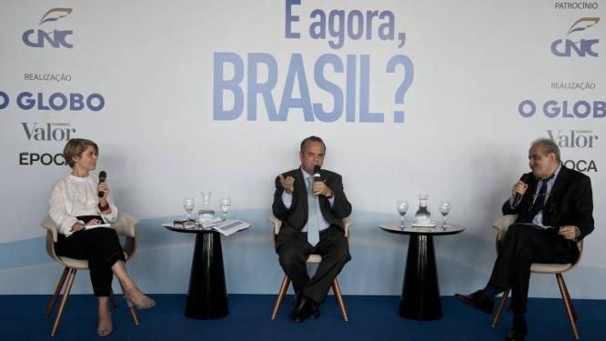 E Agora, Brasil ? com secretário especial de Previdência e Trabalho do Ministério da Economia, Rogério Marinho (centro) Foto: Agência O Globo