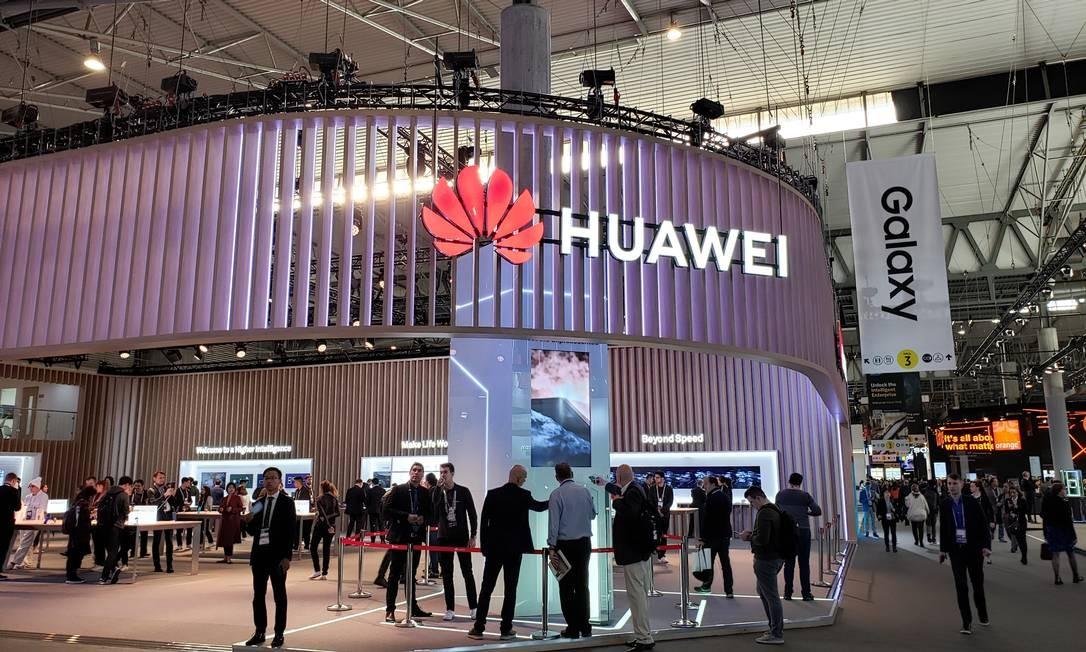 Estande da Huawei no Mobile World Center, em Barcelona Foto: Bruno Rosa / Agência O Globo