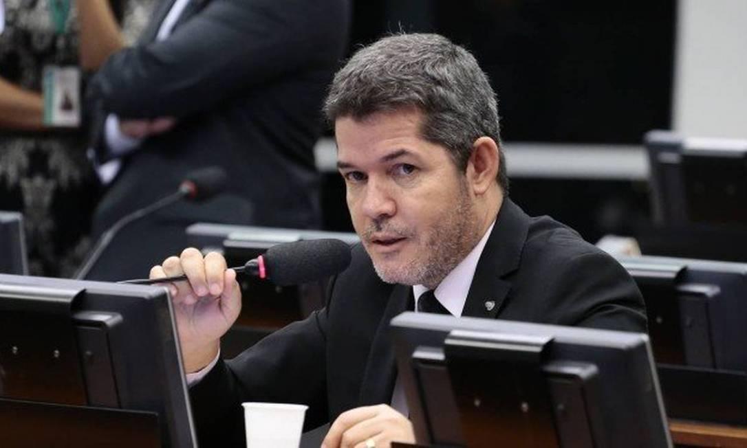 PSL quer garantir votos a Rodrigo Maia para presidente da Câmara dos Deputados Foto: Líder do PSL na CÂmara, Delegado Waldir / Agência O Globo