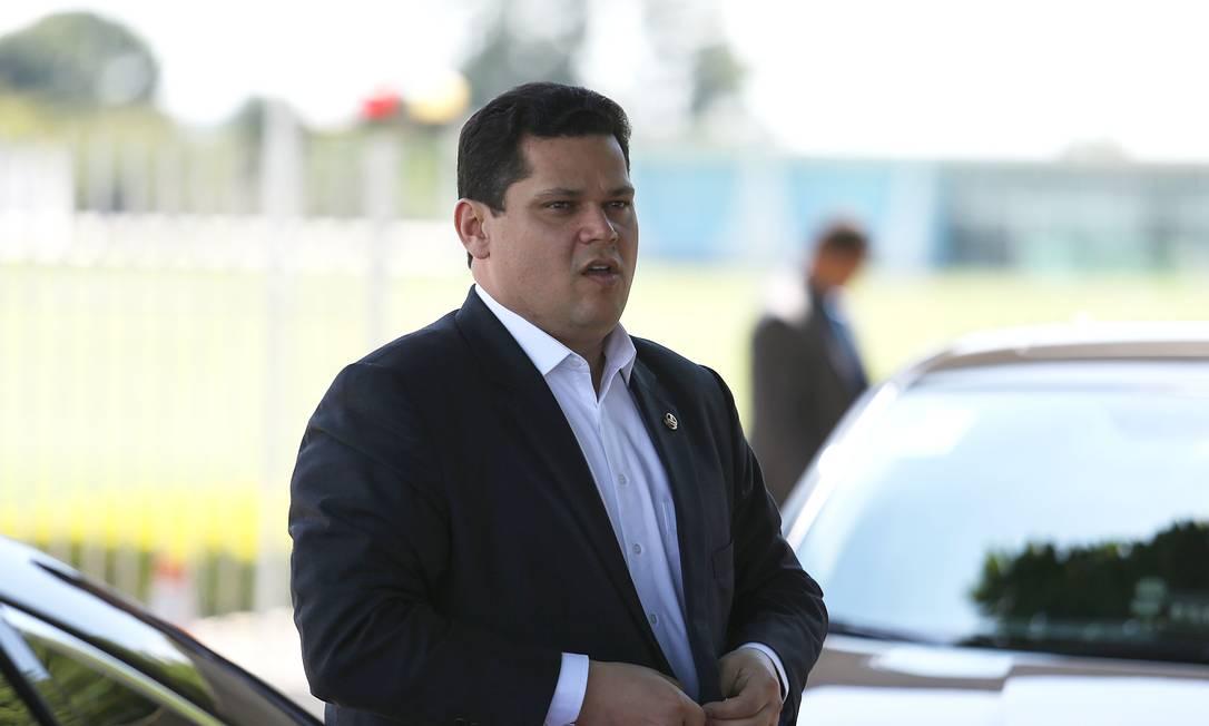 Davi Alcolumbre afirmou que o legislativo vai trabalhar junto com o governo para chegar em um consenso Foto: Jorge William / Agência O Globo