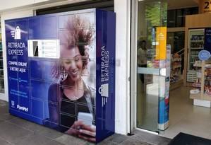 Lockers para retirada de mercadorias da rede de farmácias Panvel Foto: Agência O Globo
