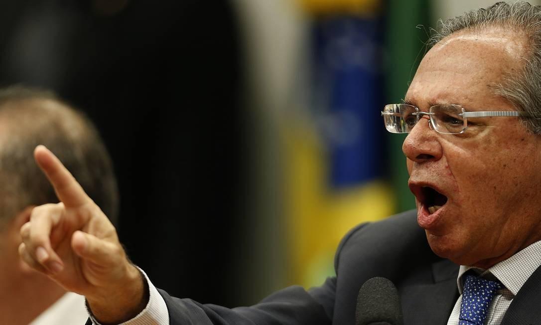 O ministro da Economia, Paulo Guedes, durante audiência pública no plenário da CCJ da Câmara Foto: Jorge William / Agência O Globo