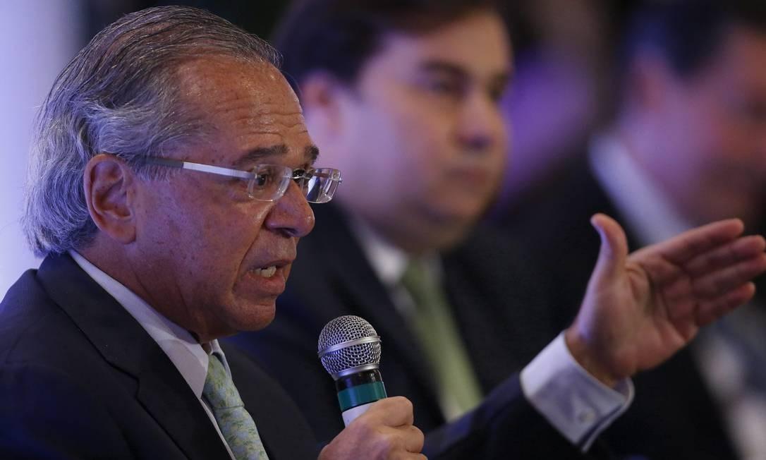 Ministro Paulo Guedes faz palestra no evento
