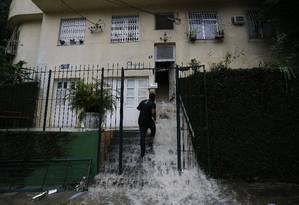 Chuva forte provoca alagamentos no Rio Foto: Agência O Globo