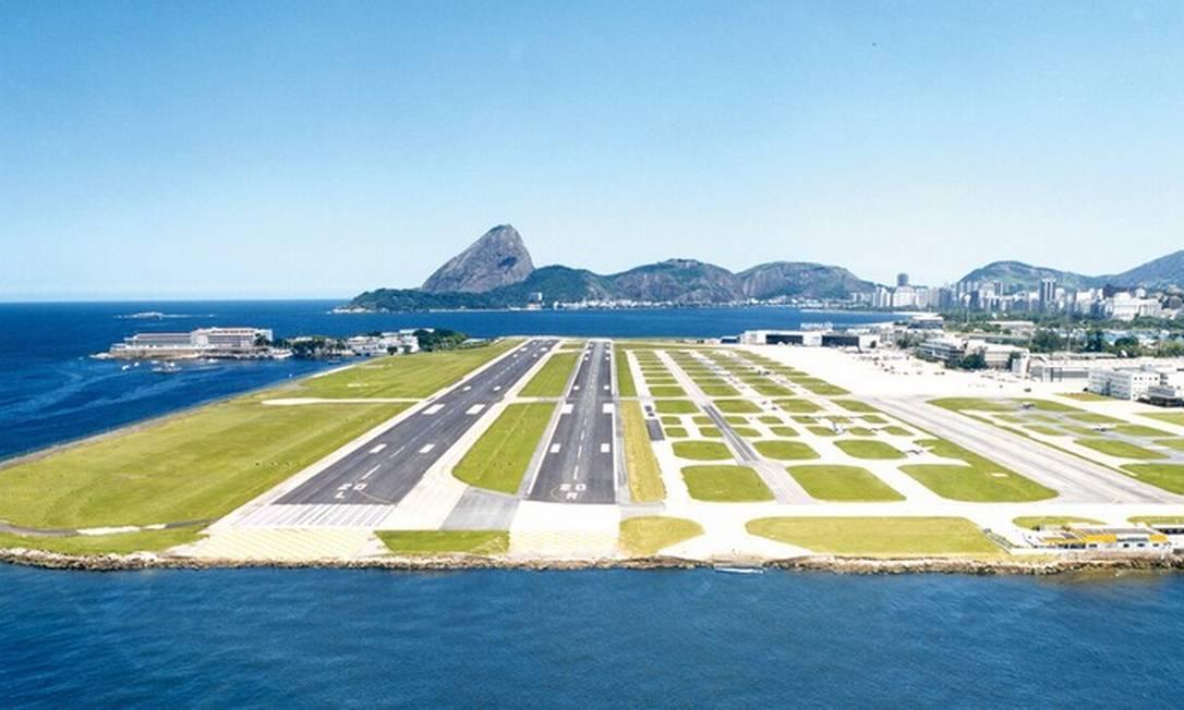 Pista do aeroporto Santos Dumont, no Rio Foto: Reprodução